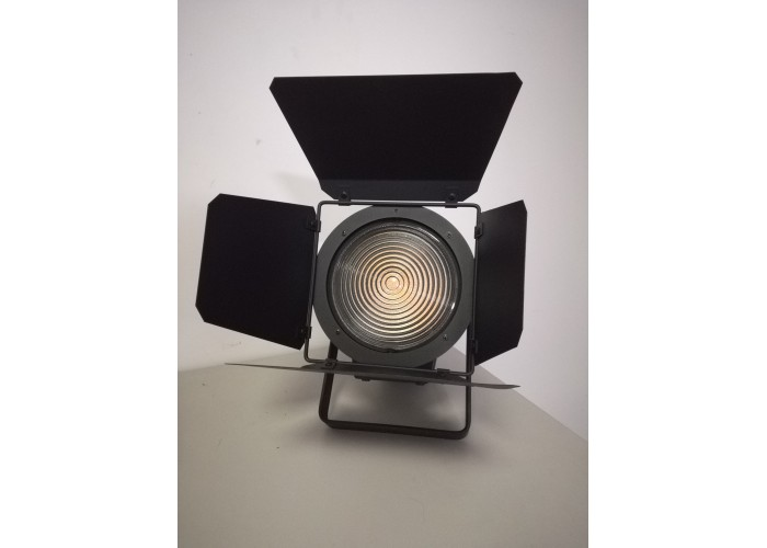 Art System Art Fresnel 200W/no interference and flicker free